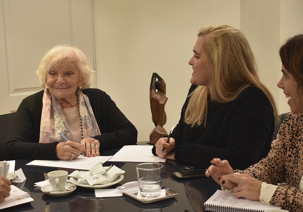 Junto a Nelly Minyersky - Presidenta Parlamento de la Mujer CABA 2
