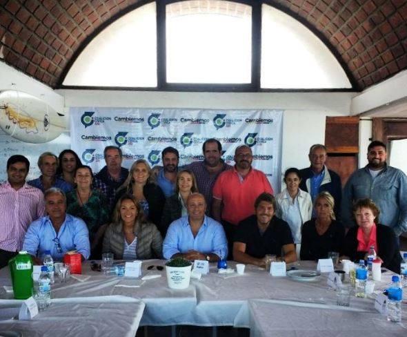 Mesa-provincial-reunida-en-miramar