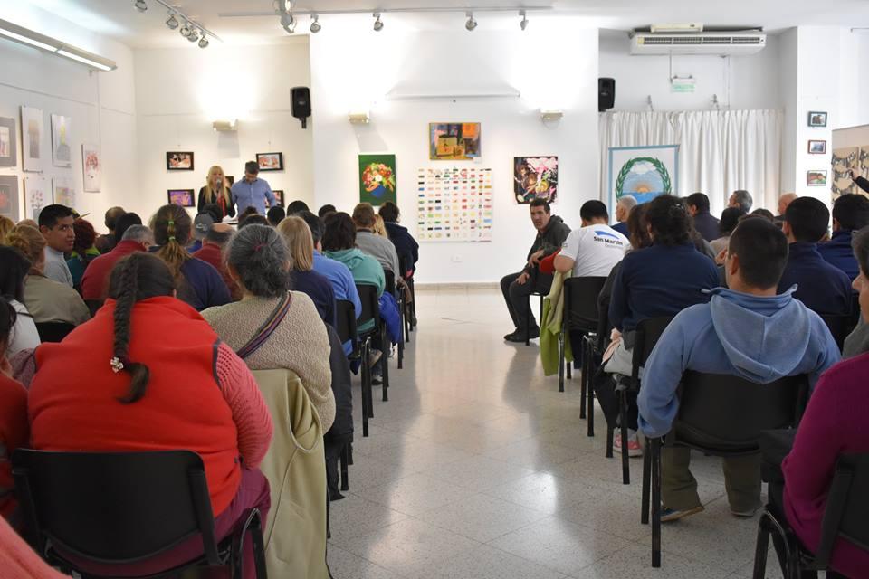 Muestra ONG Mirando hacia el Río - Mirando hacia el Arte 01